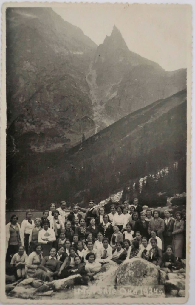 Bais Yaakov girls hiking to Lake Morskie Oko in the Tatra Mountains