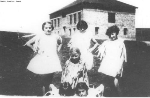 Bais Yaakov Girls in Trzebinia